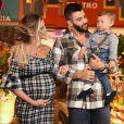 Gusttavo Lima e Andressa Suita comemoraram 1 ano do filho, Gabriel, com arraial
