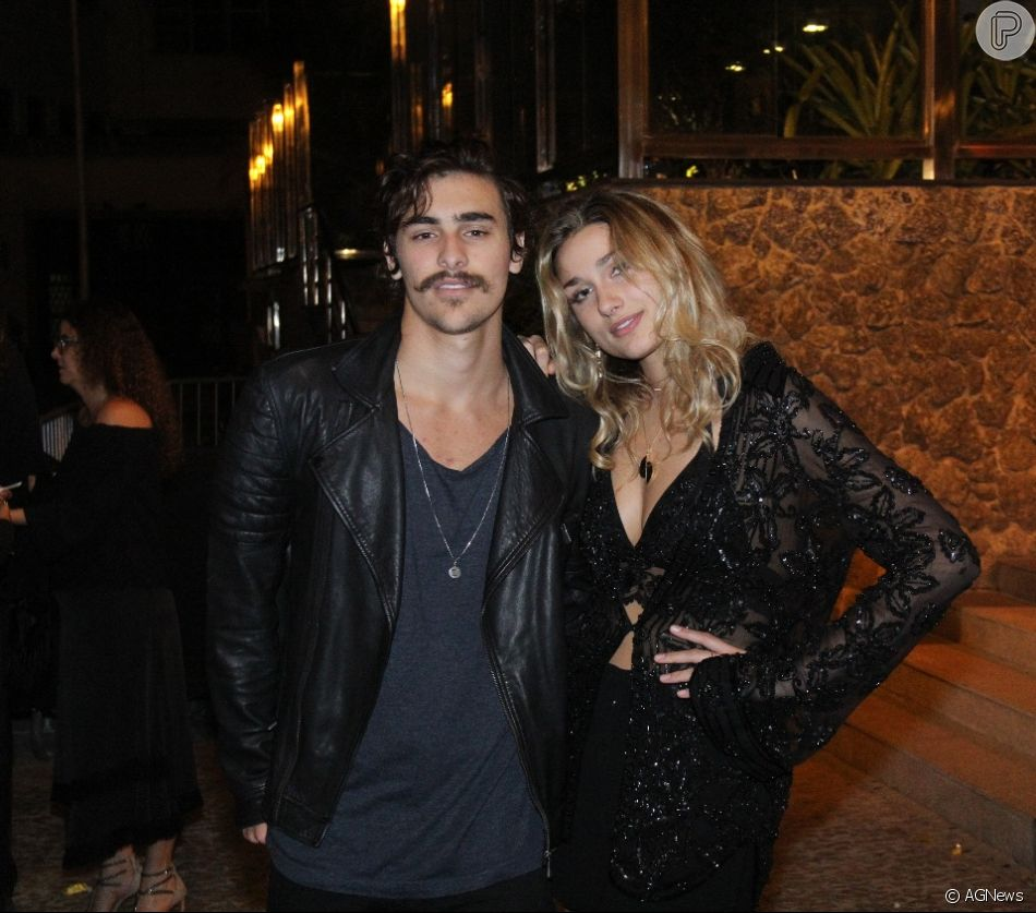Sasha Meneghel e o namorado, Bruno Montaleone, prestigiaram aniversário de Marina Ruy Barbosa neste sábado, 30 de junho de 2018