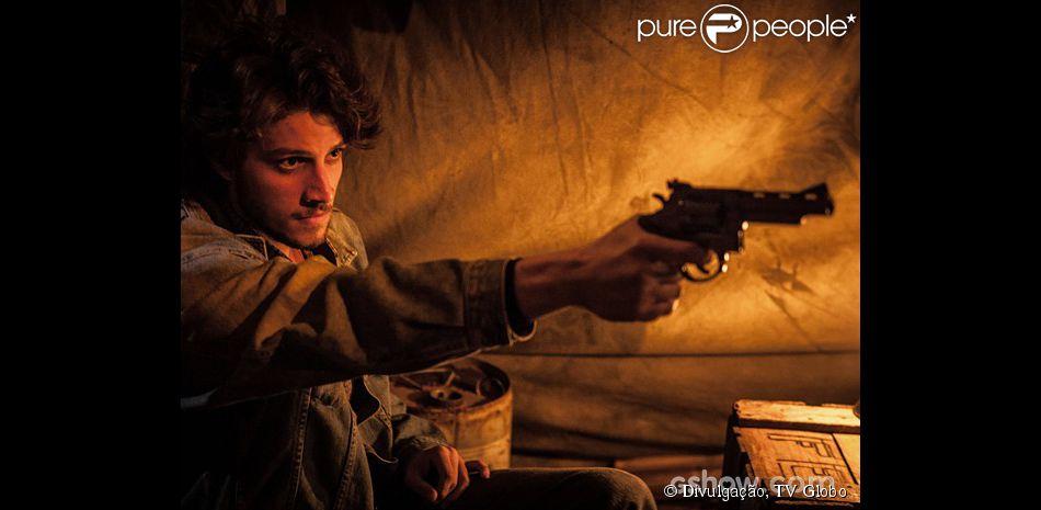 Chay Suede interpreta José Alfredo em 'Império'