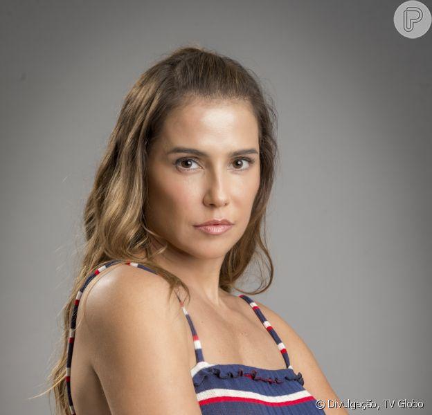 Karola (Deborah Secco) é chantageada por Remy (Vladimir Brichta) quando o irmão de Beto (Emilio Dantas) descobre que ela roubou Valentim (Danilo Mesquita) da mãe, Luzia (Giovanna Antonelli) nos próximos capítulos da novela 'Segundo Sol'