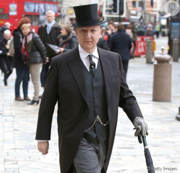O chapeleiro Stephen Jones é um dos favoritos da família real britânica
