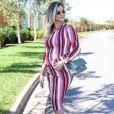 Andressa Suita posa com vestido midi Zara de R$ 77, bolsa Chanel e rasteirinha rockstud Valentino de R$ 3,7 mil
