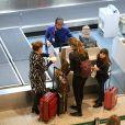 Grazi Massafera embarcou com a filha em aeroporto do Rio nesta quinta-feira, 12 de julho de 2018