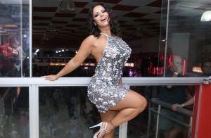 Viviane Araujo elege vestido de lantejoulas prata para ensaio: 'Bora salgueirar'