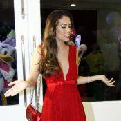 Daniela Albuquerque se irrita com apagão na RedeTV! em sua noite de festa