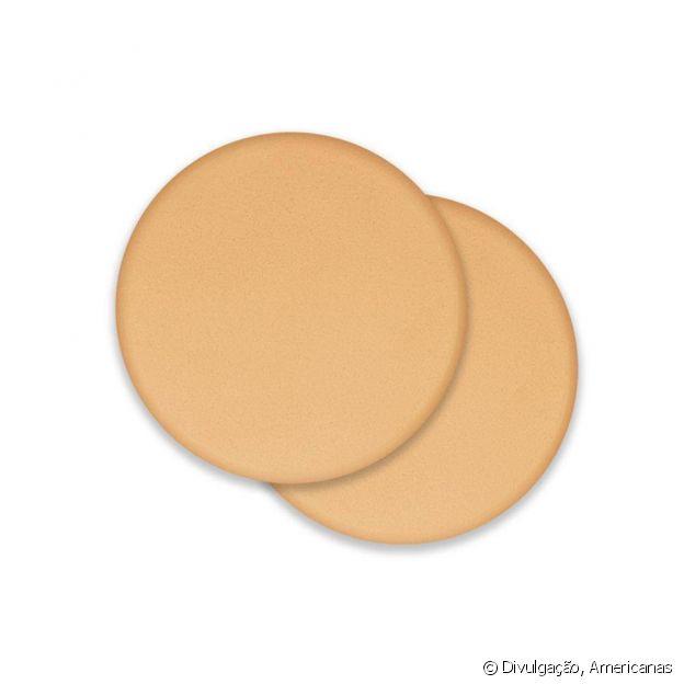 As esponjas redondas facilitam a aplicação ao alcançar as pontinhas do nariz e dos olhos