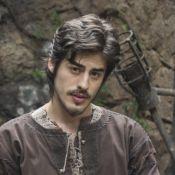 Reta final da novela 'Deus Salve o Rei': Ulisses impede a morte de Tiago