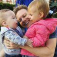 Michel Teló reduziu o ritmo da carreira para ficar mais tempo com os filhos, Melinda e Teodoro