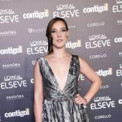 Adriana Birolli usa superdecote no Prêmio Contigo de TV. Confira os looks!