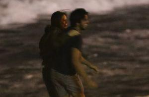 Eclipse na praia! Rodrigo Simas e Agatha Moreira se divertem juntos. Fotos!