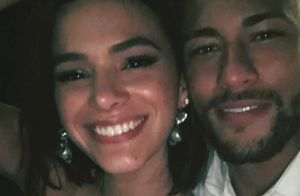 83905891774 Neymar compara joia de Bruna Marquezine a docinho de casamento e diverte  atriz