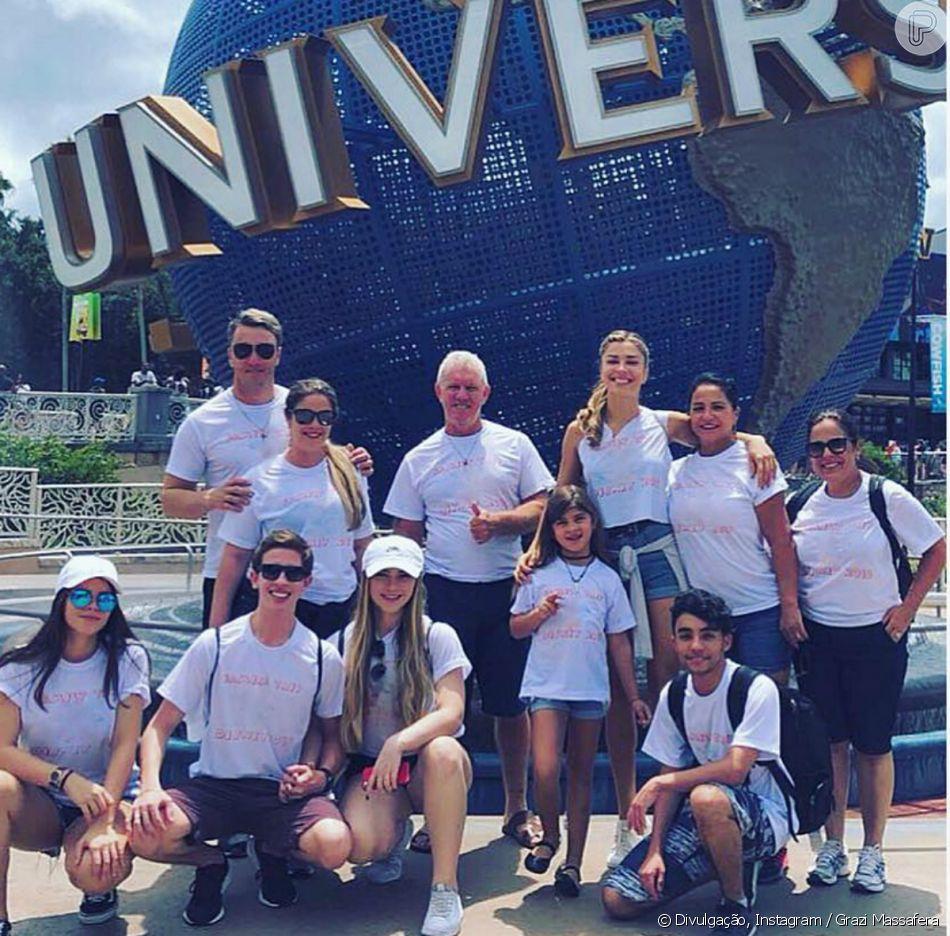Grazi Massafera curte viagem a Orlando, nos Estados Unidos, com a família