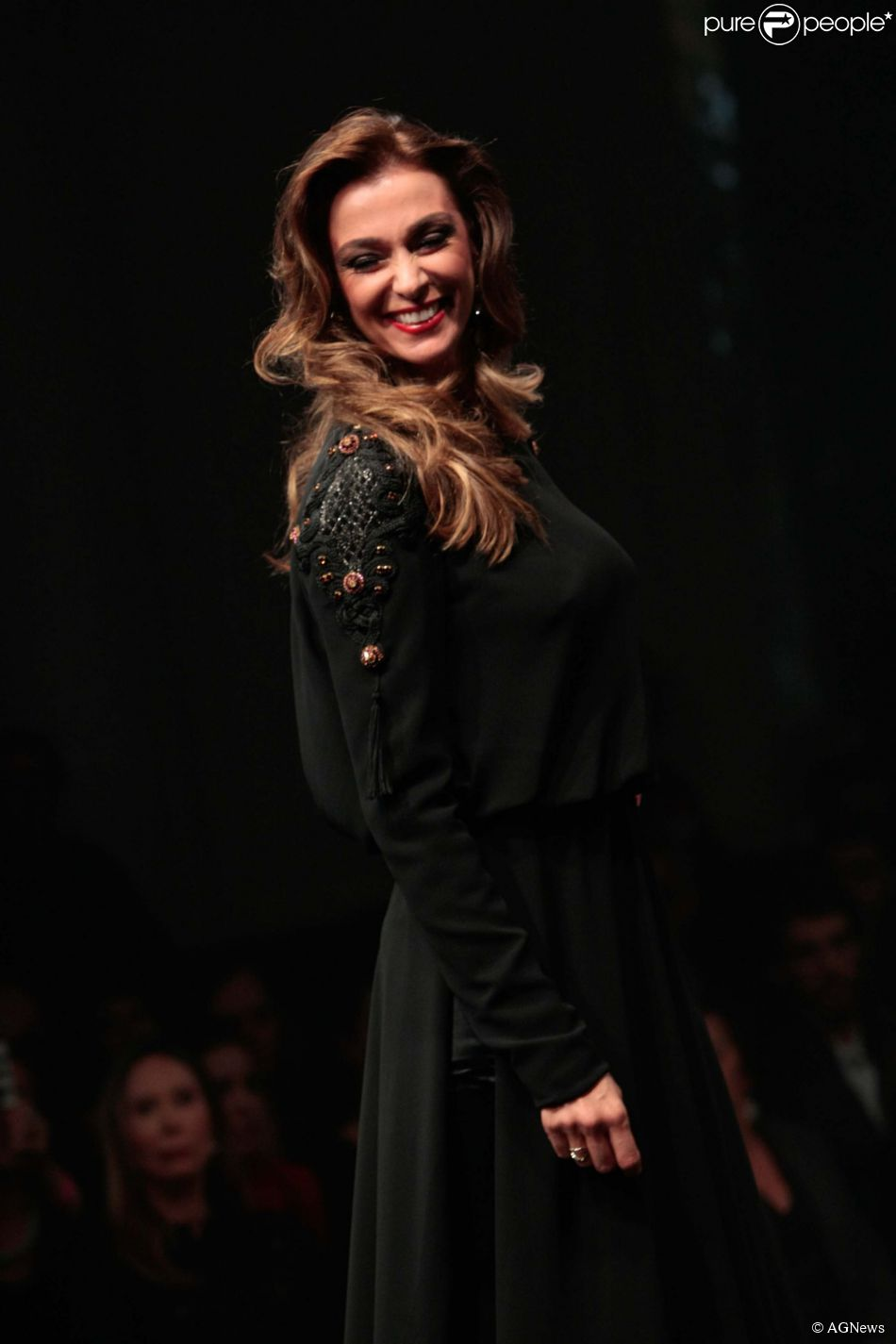 Mônica Martelli revelou que já foi maquiadora durante o 19º Prêmio Avon de Maquiagem, nesta quinta-feira, 31 de julho de 2014