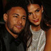 Neymar reclama de esperar Bruna Marquezine fazer compras em Paris: 'Longo tempo'