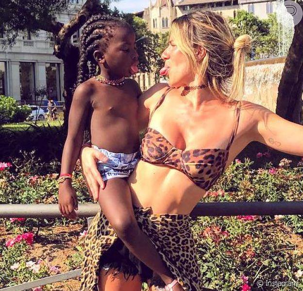 Giovanna Ewbank mostrou um momento divertido com a filha, Títi, em seu Stories, neste domingo, 12 de agosto de 2018. Veja a seguir!