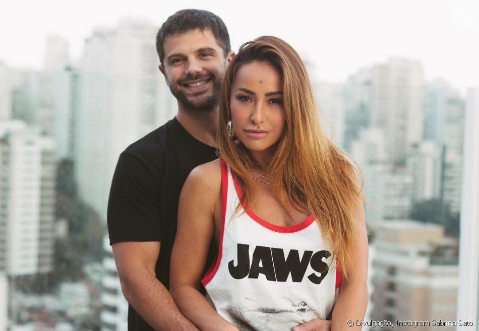 Sabrina Sato posa grávida de 6 meses no Copacabana Palace e ganha ... f59a6c7fa34