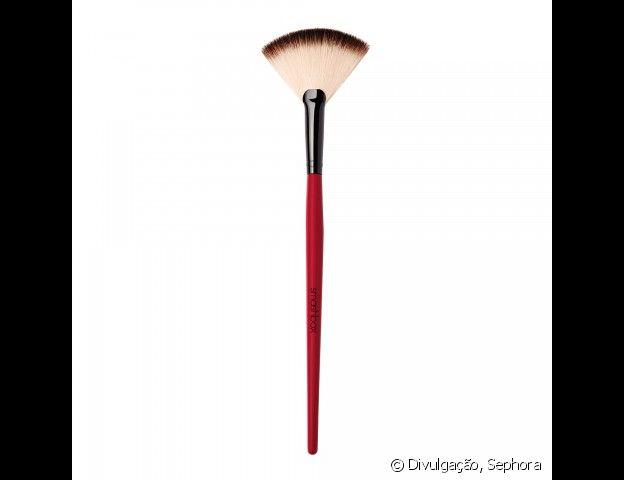 O fan brush também é conhecido como vassourinha devido ao seu formato
