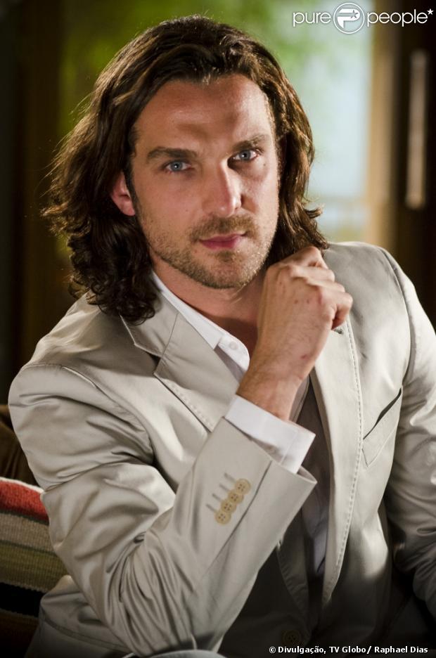 Igor Rickli é Alberto, herdeiro da rica família Albuquerque, em 'Flor do Caribe', próxima novela das seis, com estreia prevista para março de 2013