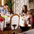Luísa (Milena Toscano) aceita jantar com Afonso (Victor Pecoraro) e Poliana (Sophia Valverde) em sua casa   na novela 'As Aventuras de Poliana'