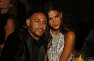 Neymar acalma fãs após deixar de seguir Marquezine no Instagram: 'Sem querer'