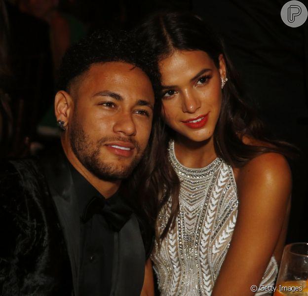 Neymar tranquilizou os fãs após deixar de seguir Bruna Marquezine no Instagram