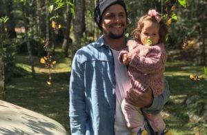 Bruno Gissoni brinca sobre look de Madalena e filma a filha em piscina. Vídeo!