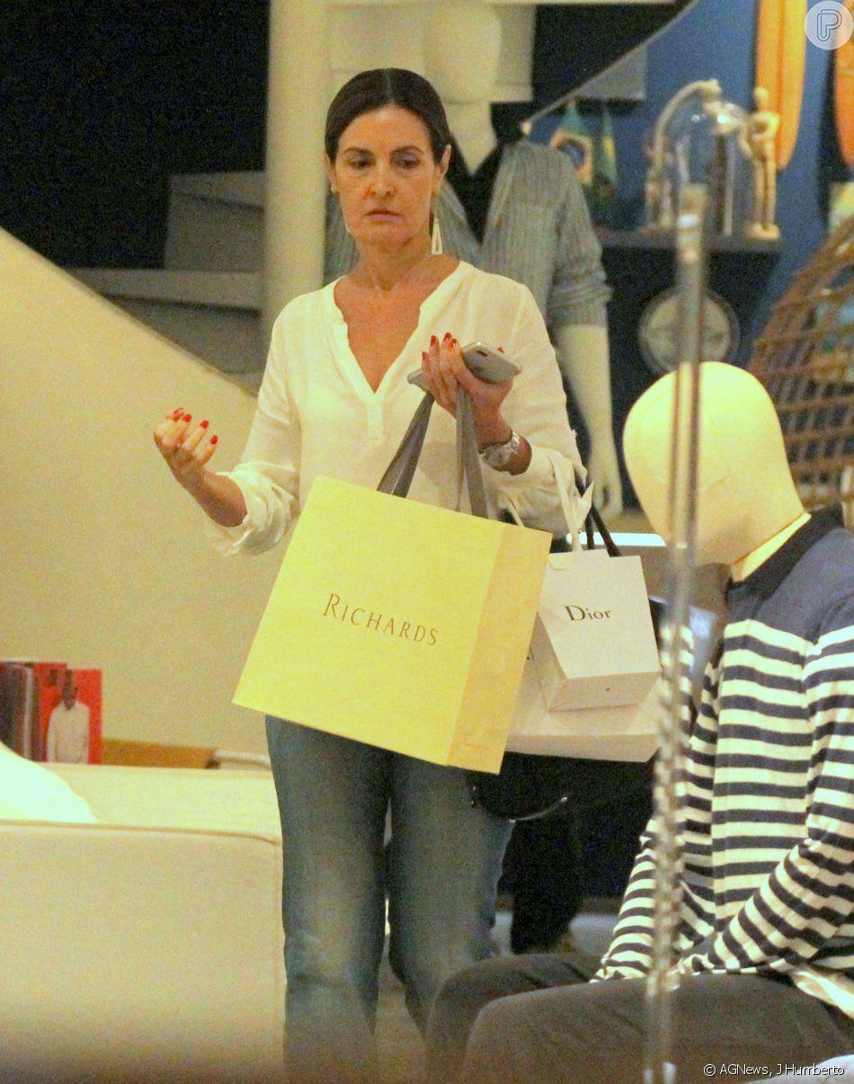 2c24c4e9ae6 Fátima Bernardes fez compras em lojas grifadas como Richards e Dior ...