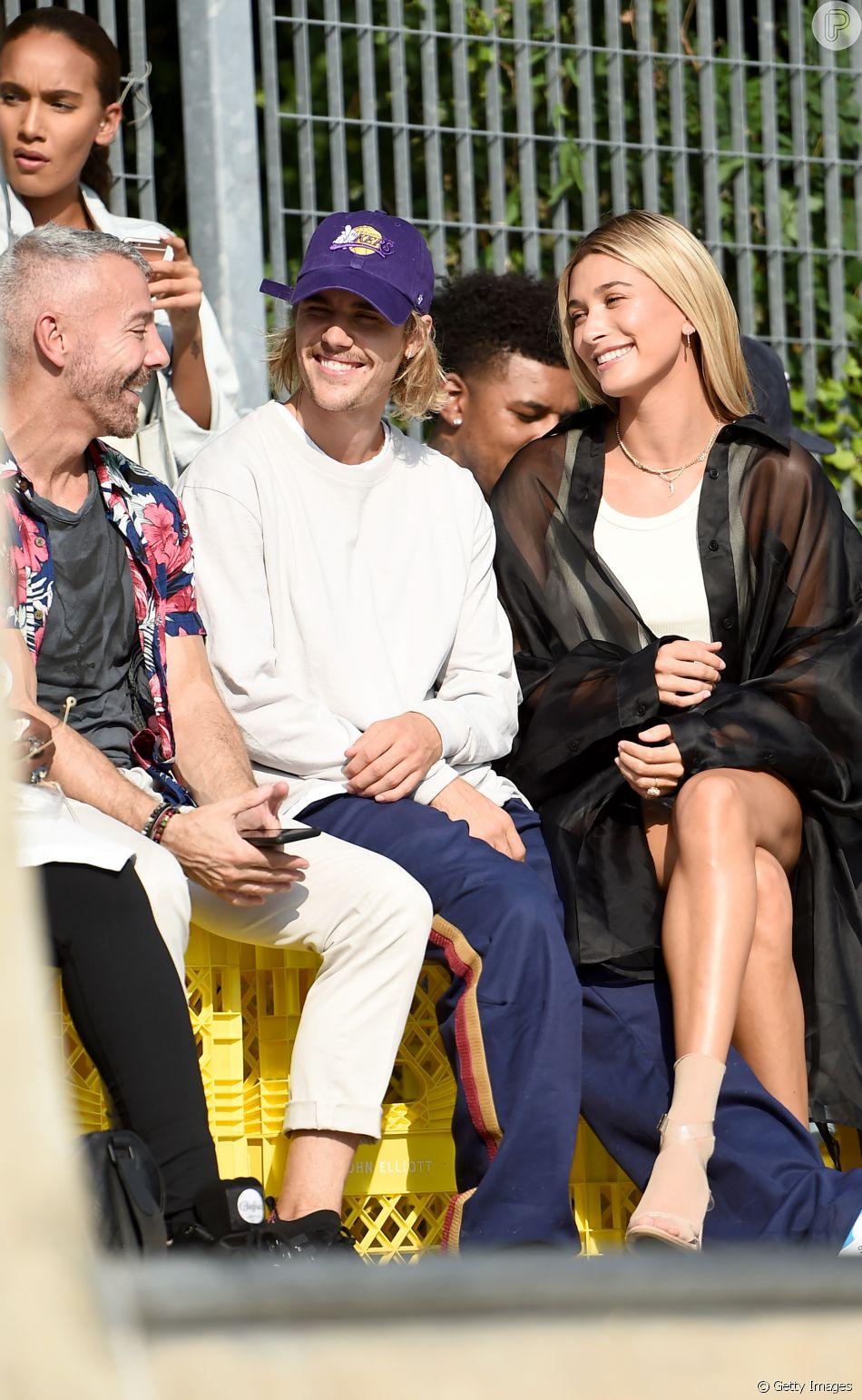 Justin Bieber e a noiva, Hailey Baldwin, assistiram ao desfile de John Elliott na Semana da Moda em Nova York, nesta quinta-feira, 6 de setembro de 2018