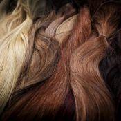 Doação de perucas ajudam na autoestima de pacientes com câncer: 'Muda a vida'