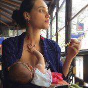 José Loreto mostra Débora Nascimento amamentando Bella em almoço: 'Faminta'