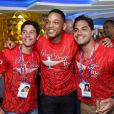 Will Smith posou com fãs dentro do camarote Rio Samba e Carnaval