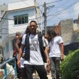 Will Smith visitou o Morro do Vidigal antes de curtir a folia na Sapucaí