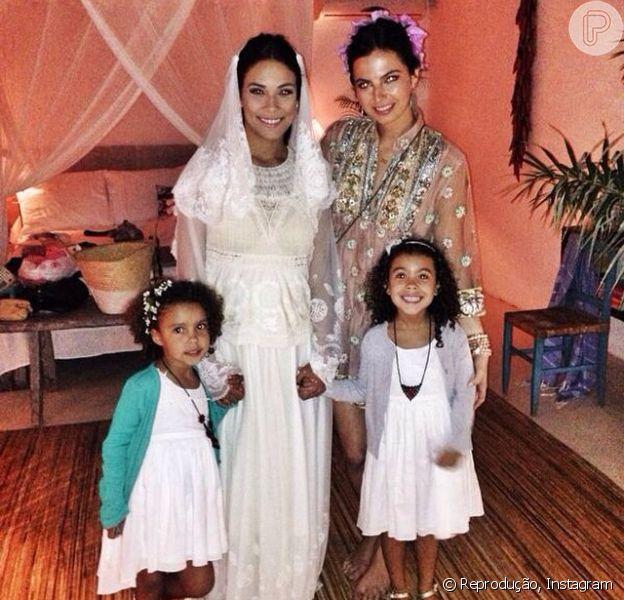 Bia Antony divulga fotos de seu casamento com Marcelo Ciampolini, na Bahia (13 de agosto de 2014)