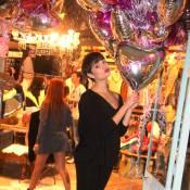 Sophie Charlotte brinca com balões de gás em inauguração de loja no Rio