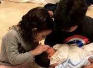 Wesley Safadão mostra filhos com caçula no colo: 'Papai fica todo bobo'. Foto!