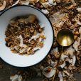 As oleaginosas, popularmente conhecida como nuts, são ricas em selênio, mineral que é aliado no combate ao câncer de mama