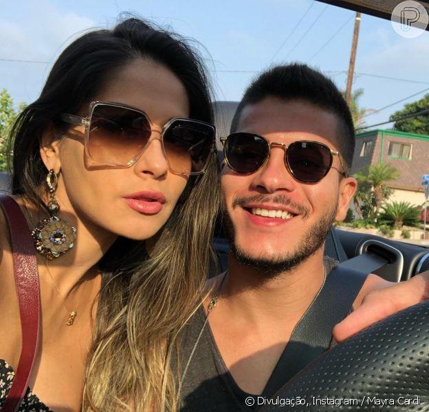 Mayra Cardi revela ansiedade de Arthur Aguiar para nascimento de Sophia, em 6 de outubro de 2018