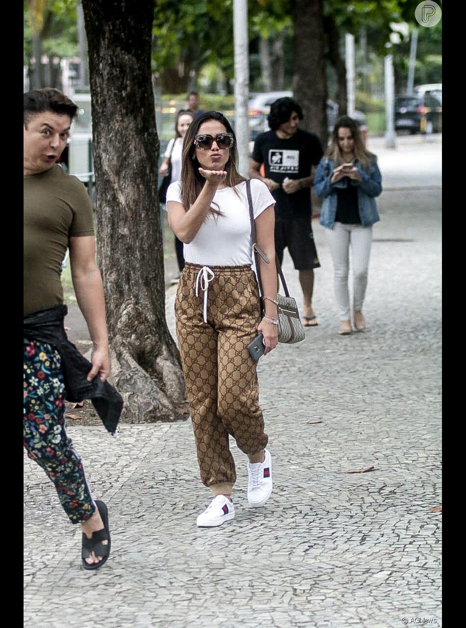 Anitta aposta em look total Gucci para votar no Rio de Janeiro, neste  domingo, 61e286ae2f