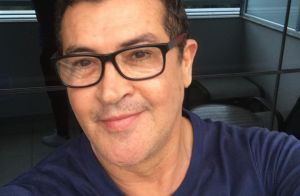 Beto Barbosa, com câncer de próstata, se submete a quimioterapia: 'Esperança'
