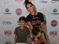Juliana Paes curte show de Ludmilla com os filhos Pedro e Antônio no Rio