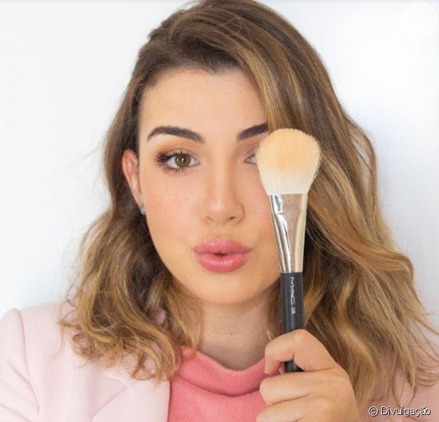 A maquiadora Júlia Velasco ensinou ao Purepeople como fazer a maquiagem rose gold. Aprenda!