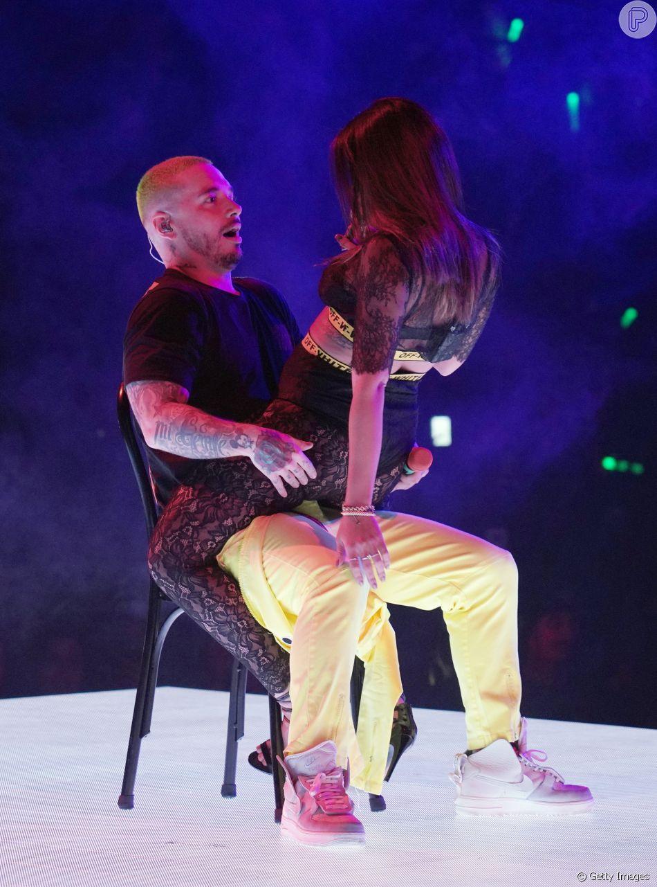 Anitta sensualiza com J Balvin durante participação em show do cantor nos Estados Unidos, em 29 de outubro de 2018