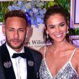 Neymar fez a alegria dos fãs por manter quadro com a imagem dele e da ex-namorada, Bruna Marquezine: 'Acredito muito no amor deles e sei que Deus está cuidando de tudo'
