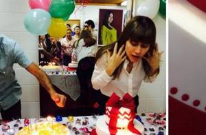 Alessandra Negrini, de 'Boogie Oogie', ganha festa surpresa de aniversário