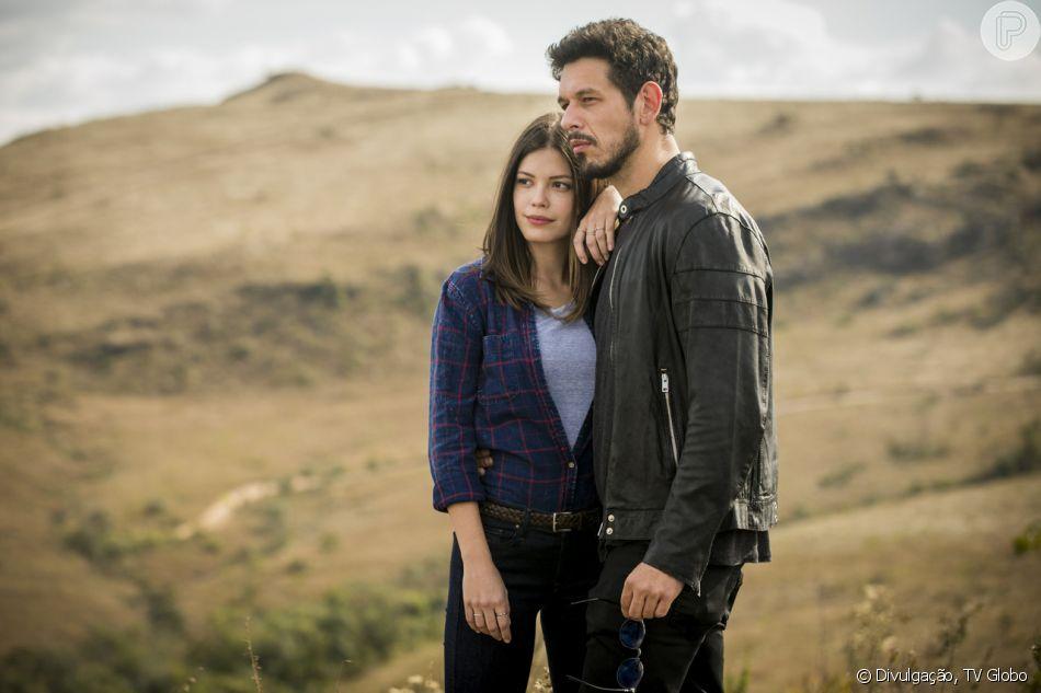 Alain (João Vicente de Castro) ameaça Cris (Vitória Strada) de tirá-la do filme sobre a vida de Júlia Castelo em 'Espelho da Vida'