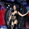 Adriana Lima desfila pela marca há 18 anos e foi a última de sua geração a sair