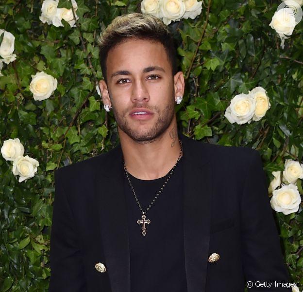 Neymar rebate seguidor que o chamou de mimado em post no Instagram, em 9 de novembro de 2018