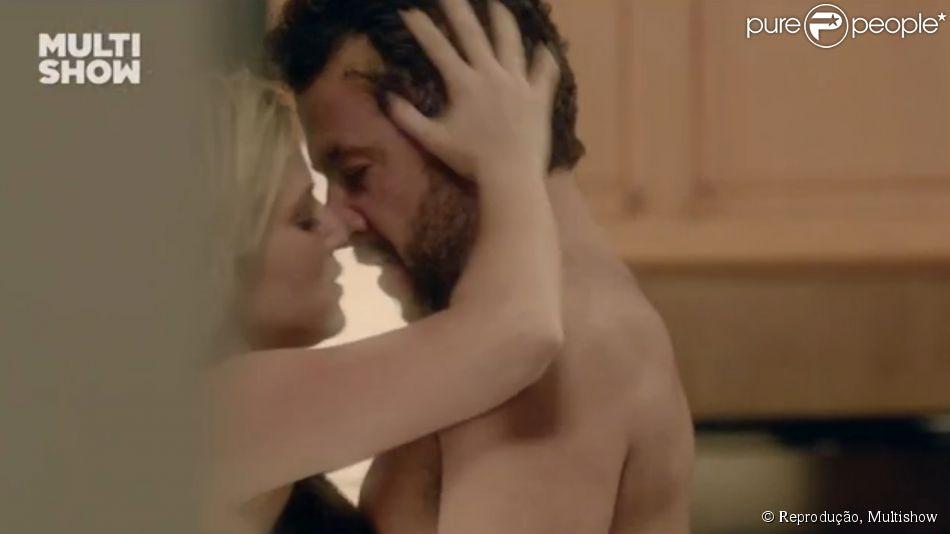 Marcos Palmeira faz cenas quentes na pele do jornalista Raul na série 'A segunda vez' com Nathalia Rodrigues