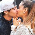Os ídolos teen Ariana Grande e Jai Brooks também não escaparam da vassoura da bruxa e romperam o relacionamento