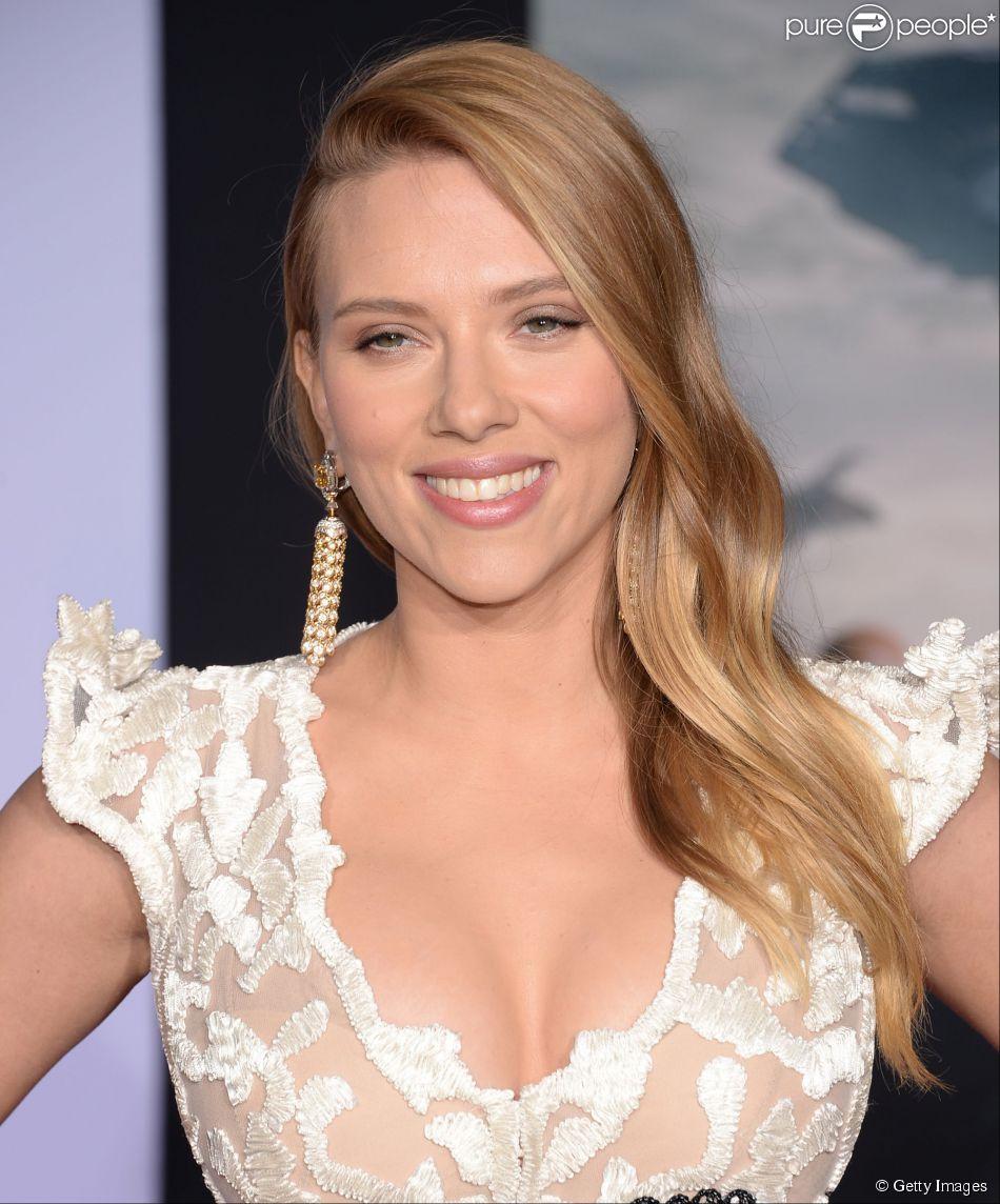 Scarlett Johansson dá à luz sua primeira filha, Rose: 'Estão bem', diz porta-voz (04 de setembro de 2014)
